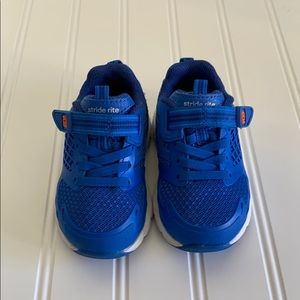 STRIDE RITE | Boy's Walker Shoes - Size 5W